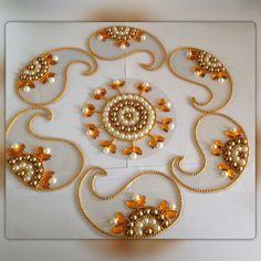 handmade kundan stones 7 piece rangoli six different ways to arrange it w - Life ideas Thali Decoration Ideas, Diy Diwali Decorations, Rangoli Ideas, Rangoli Designs Diwali, Cd Crafts, Diy Arts And Crafts, Diwali Craft, Diwali Diya, Acrylic Rangoli