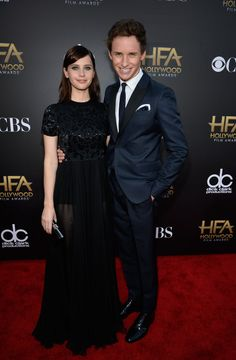 Pin for Later: All' eure Lieblingsstars drängelten sich bei den Hollywood Film Awards Felicity Jones und Eddie Redmayne