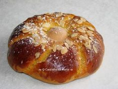 O Cantinho da Marta: Folar de Páscoa - Lidl Portuguese Sweet Bread, Portuguese Desserts, Portuguese Recipes, Portuguese Food, Lidl, Red Rice Recipe, Puerto Rican Recipes, My Cookbook, Easter Recipes