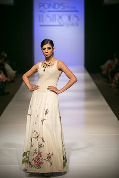 Internationa Fashion Show, Proudly Promoting Khadi #khadicollection #mirrorstory #offwhites #handembroideries