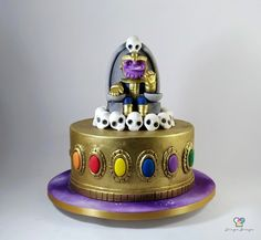 Bolo Thanos Avengers Birthday Cakes, Superhero Birthday Cake, Birthday Treats, 8th Birthday, Pastel Marvel, Pastel Avengers, Thanos Avengers, Iron Man Birthday, Marvel Cake
