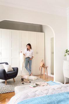 vestidor de la modelo moni moleskine con butaca armario y espejo