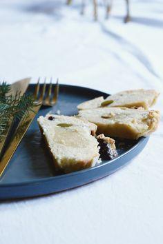 Een Glutenvrije kerststol met pistache en cranberries