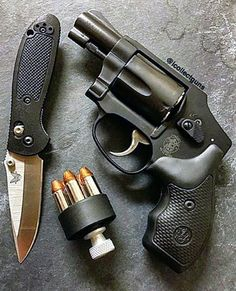 MΔΠUҒΔCTURΣR: Smith & Wesson MΩDΣL: 442 CΔLIβΣR: 38 Special CΔPΔCITΨ: 5 Rounds βΔRRΣL LΣΠGTH: 2 ШΣIGHT: 425 g