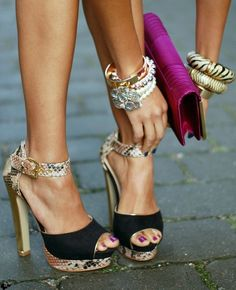 Look at all of the cuteness in one picture...bag, bangles and shoes!!