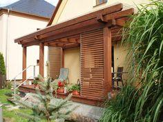 Pevná dřevěná žaluzie v pozinkovaném rámu, materiál THERMOWOOD