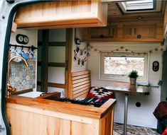Discover the Best Interior Design Ideas for Camper Van at The Architecture Design. Visit for more ideas and images about camper van interior design ideas. Interior Motorhome, Campervan Interior, Diy Interior, Best Interior Design, Vw Lt Camper, Camper Life, Bus Life, Diy Camper, Camping Car Van