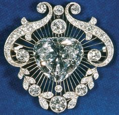 The Cullinan V, with a triangular pear-cut or heart-shaped cut, weighs 18.80 carats