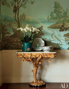 25 Ways to Decorate a Console Table Photos | Architectural Digest