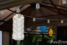Les lumières, un item aussi décoratif que pratique!  http://www.clubpiscine.ca/2503-produit-accessoires-meubles-de-jardin-lampes-lotus.html