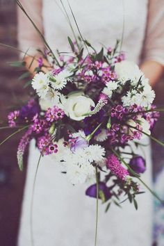 Love these country style and rustic flowers