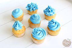 Si vous voulez savoir comment faire ces jolis glaçage, rendez-vous sur notre blog ! #glaçage #cupcake #douille #feeriecake