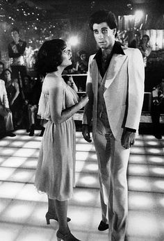 John Travolta and Karen Lynn Gorney in Saturday Night Fever Johnny Travolta, Karen Lynn Gorney, Musica Disco, Saturday Night Fever, Sunday, Teen Movies, Music Film, Vintage Movies, Movies Showing