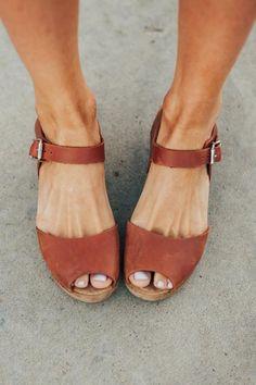 Boho Shoes, Comfy Shoes, Comfortable Sandals, Cute Shoes, Clog Sandals, Shoes Sandals, Heels, Spring Sandals, Summer Shoes
