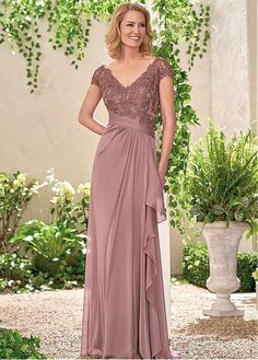 Junoesque Silk-like Chiffon V-neck Neckline A-line Mother Of The Bride Dresses With Lace Appliques
