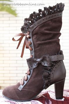 upsiluna: Omg while looking for inspiration I found these boots.So want *o*
