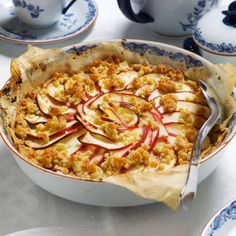 Äppelpaj med inbyggd vaniljfyllning   Mitt kök Macaroni And Cheese, Goodies, Apple, Snacks, Breakfast, Ethnic Recipes, Desserts, Food, Prom Dresses