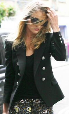 Rosie Huntington-Whiteley Assures That Looking Gorgeous is Not Revenge
