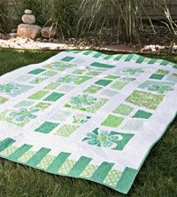 Window Boxes by Amanda Murphy in Quilters Newsletter Presents Best of Modern Quilts 2014 Jelly Roll Quilt Patterns, Baby Quilt Patterns, Modern Quilt Patterns, Blanket Patterns, Quilting Patterns, Jellyroll Quilts, Easy Quilts, Aqua Quilt, Contemporary Quilts