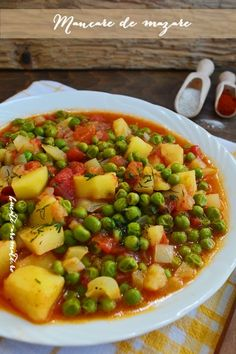 Mâncare de mazăre cu cartofi Vegetarian Recipes, Cooking Recipes, Healthy Recipes, Beef And Potato Stew, Baking Bad, Rome Food, Vegan Meal Plans, Romanian Food, Food Platters
