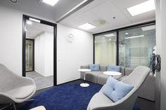 Tampere:  Teknopoliksen Kalevanrinteestä löytyy erilaisia pieniä työskentelyhuoneita alkaen 15 e/tunti. Tilaan voi tilata tarjoilut. WiFi löytyy.