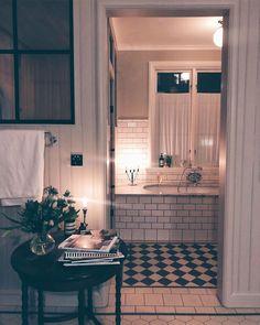 Bathroom Design Inspiration, Bathroom Inspo, Bathroom Interior Design, Home Decor Inspiration, Modern Bathroom, Simple House, House Rooms, Sweet Home, Garage