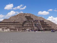 Visit the Teotihuacan archeological site, known as the City of the Gods, as the sun begins to rise over the pyramids. Climb the pyramids of the Sun and the Moon, and listen as your experienced guide tells you about this important pre-Hispanic city. Stonehenge, Archaeological Site, Photo Location, Mexico City, Fun Activities, Wonders Of The World, Travel Photos, Tarot, Around The Worlds