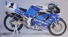 Resultado de imagem para gsxr 1995 rear tail section Suzuki Gsx R 750, Gsxr 750, Hot Bikes, Motogp, Cars And Motorcycles, Toyota, Racing, Leather, Wheels