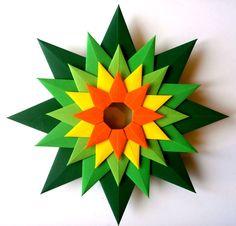 Stella Veneziana Designed by: Paolo Bascetta Folded by: Vlatka Fric Origami And Math, Origami Love, Modular Origami, Origami Flowers, Origami Paper, Diy Paper, Paper Flowers, Paper Crafts, Arts And Crafts