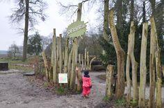 Natuurlijk buiten spelen bij OERRR speelbos in 's-Graveland? Dat is een heerlijk uitje in de natuur voor kinderen. Ontdek nu wat er allemaal te beleven is.