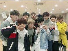 try watching videos on V LIVE! Yg Trainee, Babe, Hyun Suk, Kim Min Seok, V Live, Yg Entertainment, Kpop Boy, Perfect Man, Jinyoung