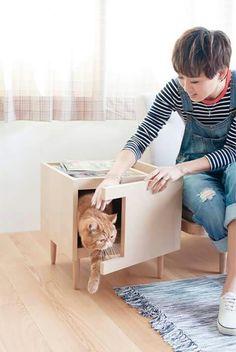 Mesinha de canto/gato ou revisteiro