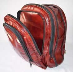 d8ecf63c4 mochila unissex 100% em couro legítimo ideal para dia a dia