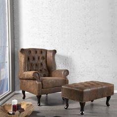 Ohrensessel LOYD  Ein weltberühmter Designklassiker im CHESTERFIELD-Look jetzt bei QUBO:  Der edle LOYD-Sessel vereint Klassik mit Ergonomie zu einem Meisterwerk, das seinesgleichen sucht.  Stil, Gemütlichkeit und der used-Look des Bezugsmaterials überzeugt auch den kritischen Kunden.  Größe (ca.): 104cm x 86cm x 72cm (HxBxT) Farbe: braun (antik) Material: Kunstleder im Wildleder / Used Look Materialzusammensetzung des Bezugsstoffes: 100% Polyester. Bei Qubo-Design