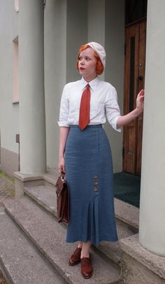 I adore this 1930s inspired look from Marianne.  I have a skirt pattern like this and am so excited about making a few different versions!