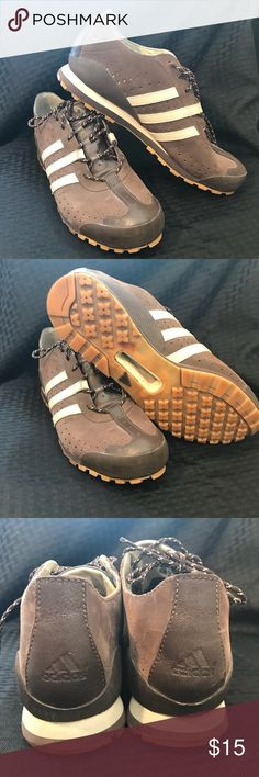 release date b5376 97c3c Adidas Men s size 10.5 NO.EVN 791001 Pair of Men s Adidas shoes. They have