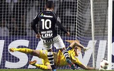 Goalkeeper Cassio made a very difficult defence against Vasco da Gama at Libertadores Cup (Photo: Agência AP)