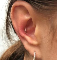 "(notitle) (notitle),NEEDLES Related posts:As the saying goes, ""Work like a beast. Look like a queen""! Ear Piercings Conch, Cute Ear Piercings, Navel Piercing, Belly Button Piercing, Piercing Tattoo, Body Piercing, Conch Piercing Jewelry, Conch Earring, Tragus Earrings"