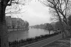 Nice view of the Ile Saint Louis by the other side of the road.     Picture taken by Mohamed Khalil  http://jeudepaumehotel.com/ile-saint-louis/