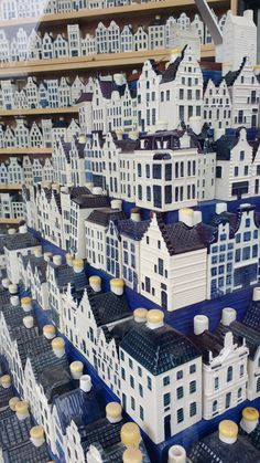 Delft may be the spiritual home of Dutch ceramics but a weekend in Amsterdam still has much to offer. Delftware, also known as Delft blue, has been made in the Netherlands since the and still… Blue And White China, Blue China, Love Blue, Delft, Dutch House, White Houses, Blue Houses, Ceramic Houses, Usa Tumblr