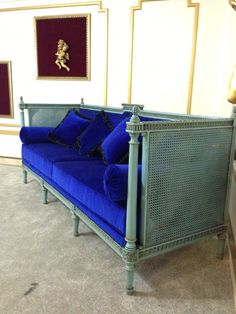 Top antique french sofa