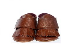 Bella Simone creates luxurious baby, toddler and infant shoes at affordable prices. Brown Leather, Infant, Baby Shoes, Sandals, Luxury, Shopping, Accessories, Fashion, Moda