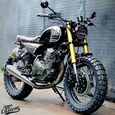 Cafe racers, scramblers, trackers and custom motorcycles Cafe Racer, Scrambler, Tracker und Custom-Motorräder Bmw R100 Scrambler, Scrambler Custom, Scrambler Motorcycle, Motorcycle Garage, Cafe Racer Honda, Cafe Racer Bikes, Cafe Racers, Chopper, Style Cafe Racer