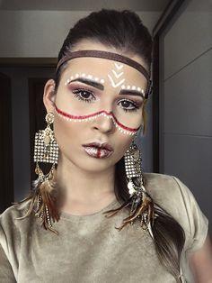Make Índia para carnaval Indian Makeup Halloween, Halloween Makeup Looks, Make India, Makeup Art, Makeup Tips, Warrior Makeup, Bohemian Makeup, Make Carnaval, Tribal Makeup