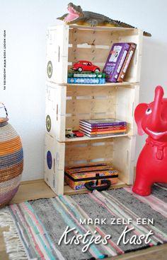 houten kistjes kast, kast van kisten, oude kistjes, kinderkamer, kastje, diy, zelfmaker Kidsroom, Wooden Boxes, Diy For Kids, Home Organization, Life Tips, Life Hacks, Repurposing, Upcycling, Dorm Ideas