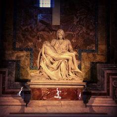 Pietà di Michelangelo - Basilica di San Pietro -Roma ph. Alberto Rotondo