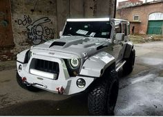 This is a really nice looking Jeep..but it looks like a Storm Trooper should be driving it,lol.