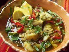 Pescado al Mojo de Ajo y Cilantro (Fish in Garlic and Cilantro Sauce)