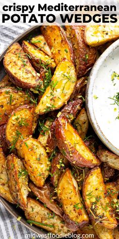 Greek Potato Wedges These potatoes wedges are loaded with all your favorite Mediterranean spices and served with a cool, creamy yogurt sauce! Healthy Food Recipes, Veggie Recipes, Cooking Recipes, Recipes With Herbs, Recipes With Yogurt, All Recipes, Food Recipes For Dinner, Healthy Greek Recipes, Bread Recipes