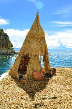 A home on the Titicaca Lake (Floating Islands of Bolivia) | Photo taken by Esmeralda Spiteri